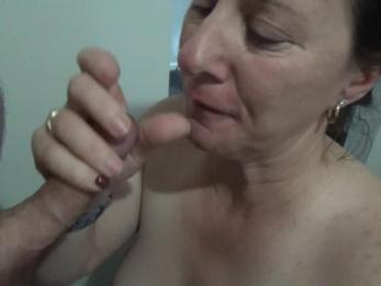 Любительский минет и сперма в рот